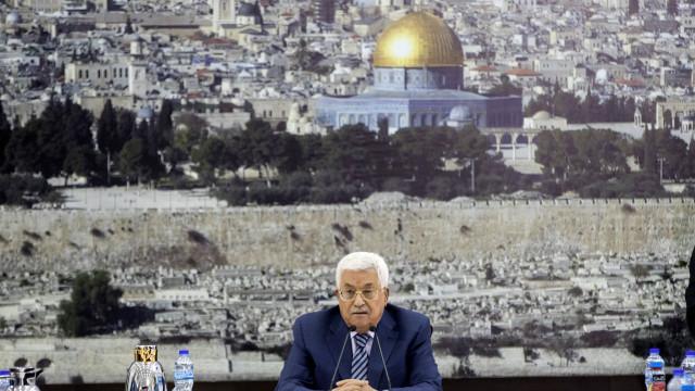 Abbas escusa-se a receber vice-presidente dos EUA em Jerusalém