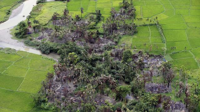 Ataque de rebeldes rohingyas faz 52 mortos e 192 desaparecidos
