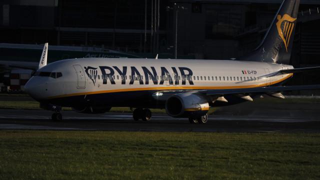 Publicidade enganosa? Ryanair responde a críticas