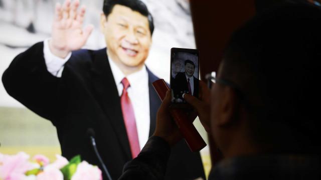 """Xi Jinping defende marxismo para manter """"a alma"""" do Partido Comunista"""