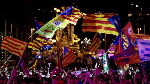 Catalunha: Vice-presidente regional defende que referendo fará cair Rajoy