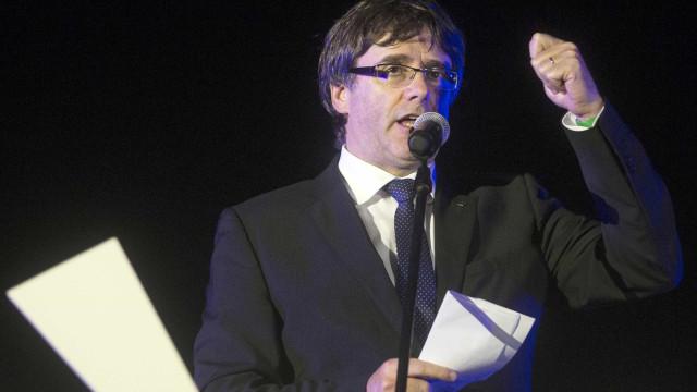 Presidente do Governo catalão visitou escola ocupada