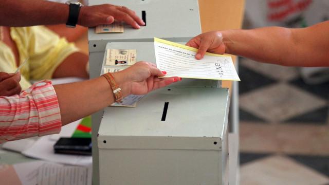 Autárquicas: Eleitora tentou votar com boletins fotocopiados