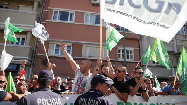 Guardas prisionais pedem demissão de diretor-geral das cadeias
