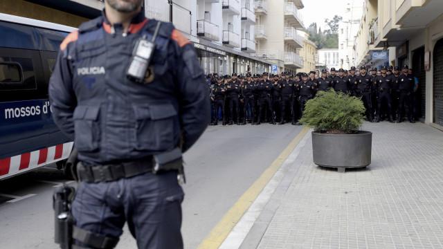 Quarenta homens detidos em Espanha por pedofilia