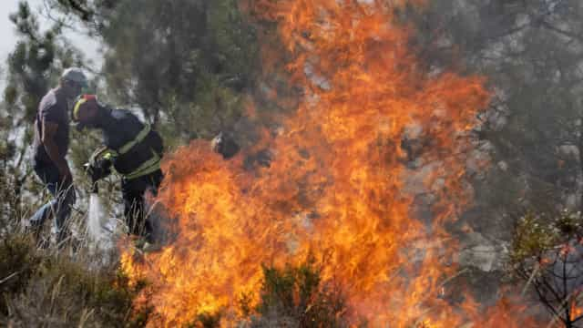 Incêndio em Gondomar e Valongo obriga a combate por meios aéreos