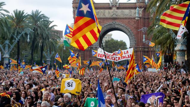 Maioria dos espanhóis, incluindo catalães, concorda com eleições