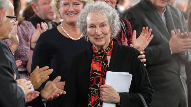 Escritora Margaret Atwood anuncia continuação de 'História de uma serva'