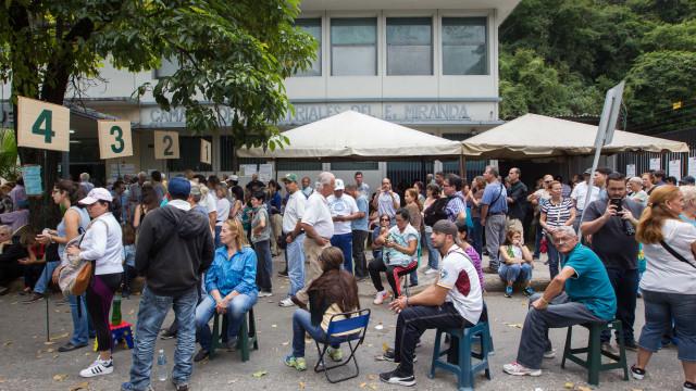 Lusos que regressem da Venezuela têm garantido acesso a apoios sociais