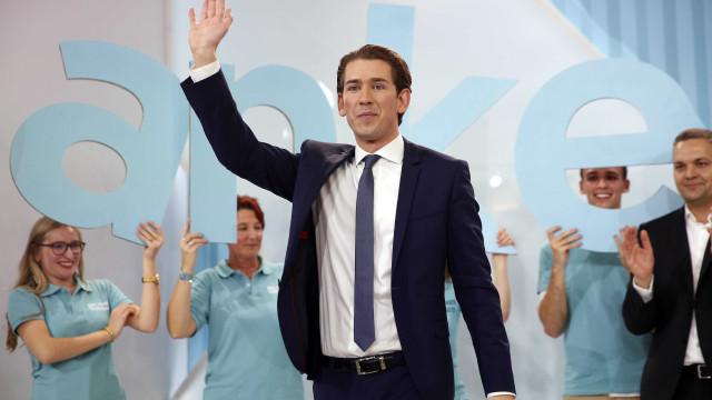 Áustria elege o chanceler mais jovem de sempre para líder do Governo