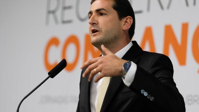 PSD: Hugo Soares anuncia apoio à candidatura de Santana Lopes