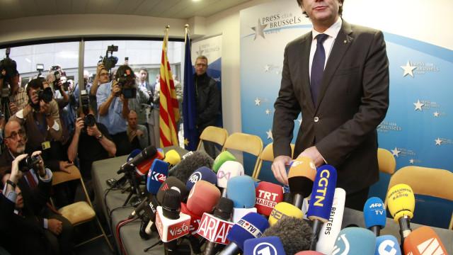 "Carles Puigdemont disposto a ""cooperar plenamente"" com justiça belga"