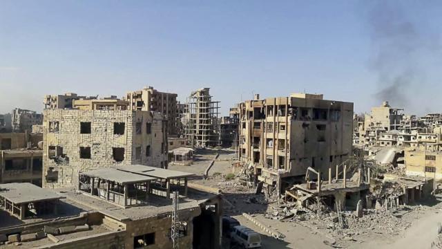 Daesh resiste na batalha contra as forças curdo-árabes na Síria