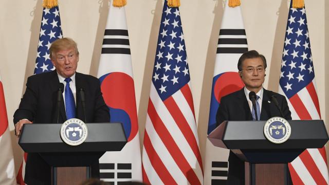 Coreia do Sul e EUA esforçam-se para realizar cimeira com Coreia do Norte