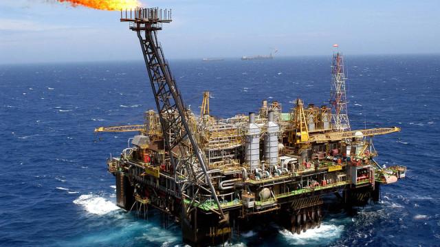 Fitch Solutions revê em baixa a produção de petróleo no Brasil para 1,9%