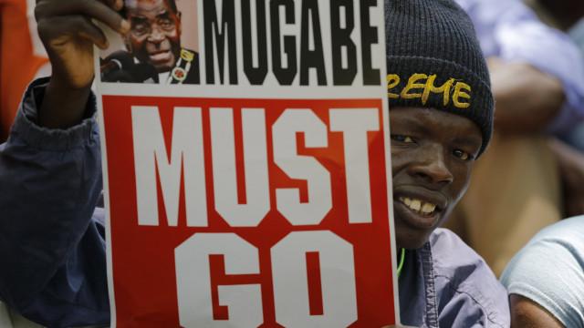 Justiça diz que ações militares contra Mugabe foram constitucionais