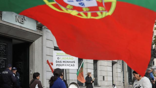 Lesados do BES manifestam-se hoje junto à sede do PS no Porto