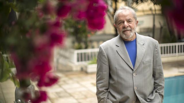 """Lula diz ser vítima de """"pacto diabólico"""" para impedir a sua candidatura"""