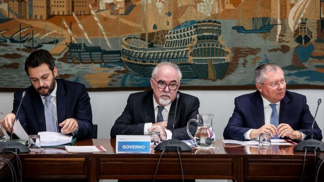Governo e parceiros sociais discutem hoje salário mínimo para 2018