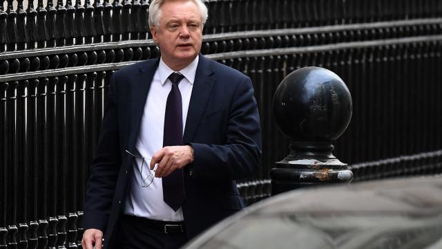 Londres admite que não avaliou impacto do Brexit na economia britânica