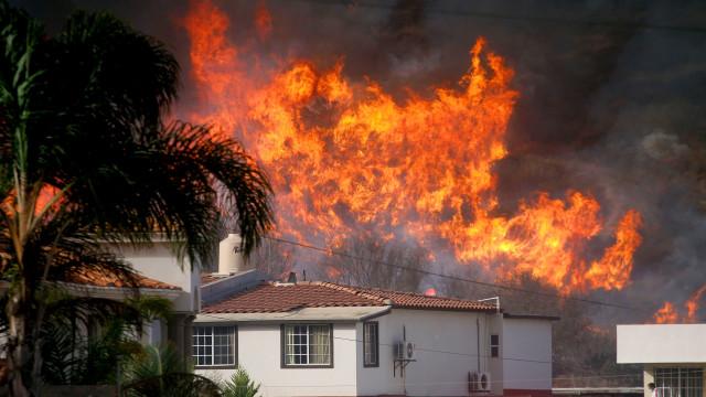 EUA declaram estado de emergência na Califórnia devido a incêndios