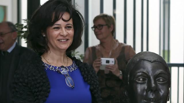 Centenas assinam petição que pede demissão da presidente da Raríssimas