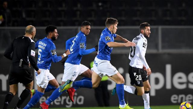 Golo de Hélder Ferreira dá triunfo do Vitória sobre o Feirense