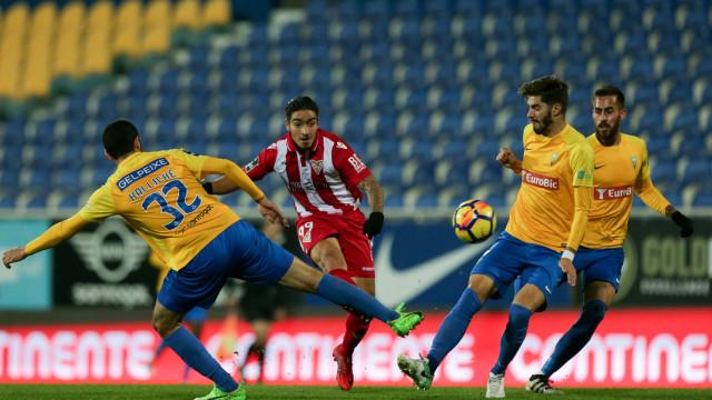 Estoril-Praia bate Desp. Aves e regressa às vitórias 11 jogos depois