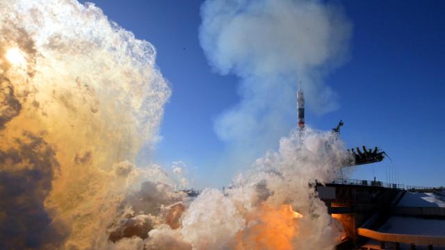 """Angola diz que satélite está """"sob controlo"""" e rejeita problemas"""