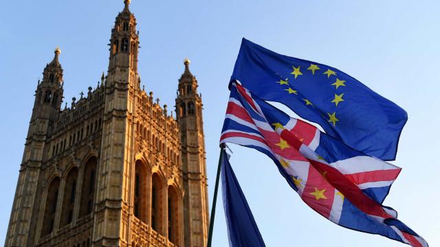 Parlamento britânico aprova lei do Governo para saída da União Europeia