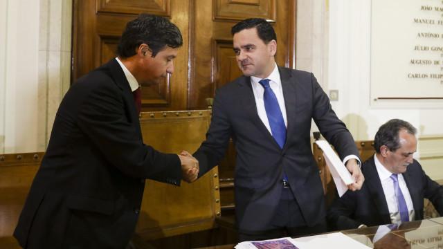Ministro das Infraestruturas critica Passos Coelho por causa dos fundos