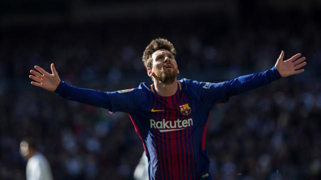 Messi deixa emotiva mensagem a Ronaldinho
