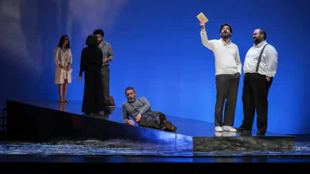 Teatro da Trindade: '150 milhões de escravos' denuncia trabalho infantil