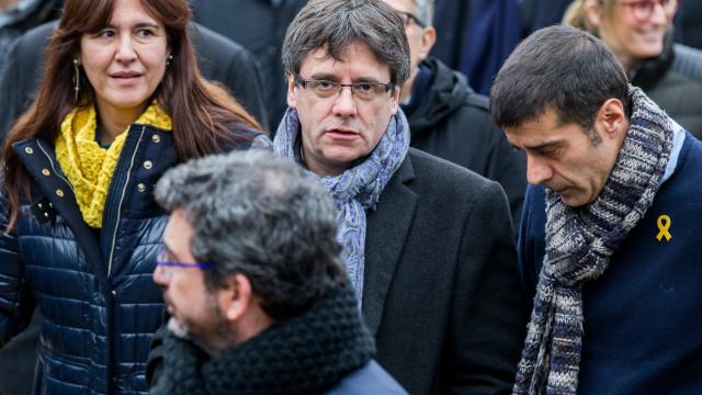 Puigdemont chegou à Dinamarca e arrisca ser detido a pedido de Espanha