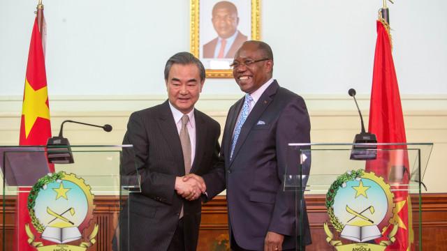 China não está preocupada com dívida de Angola