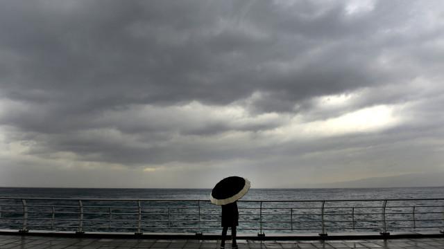 Açores em aviso amarelo devido a chuva forte e trovoada