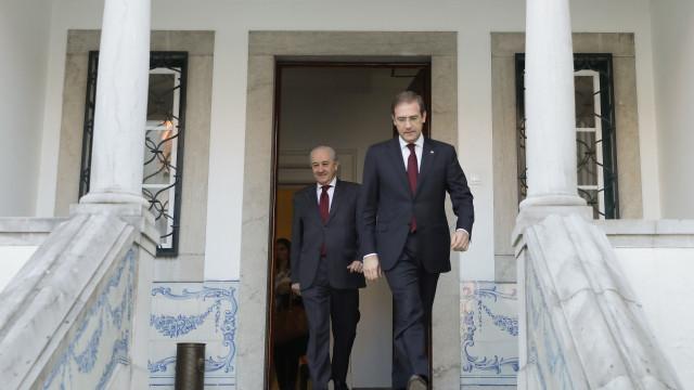 Reunião do PSD abre com despedida de Passos e discurso inaugural de Rio