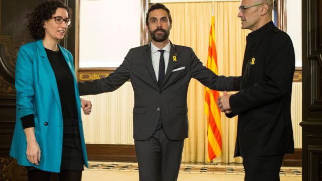 Presidente do parlamento catalão quer Puigdemont a dirigir Governo