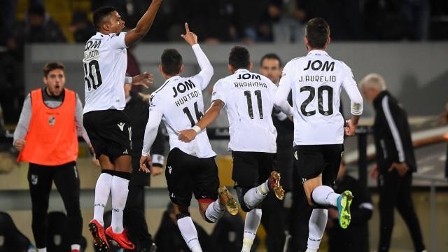 V. Guimarães vence Estoril e interrompe série de derrotas