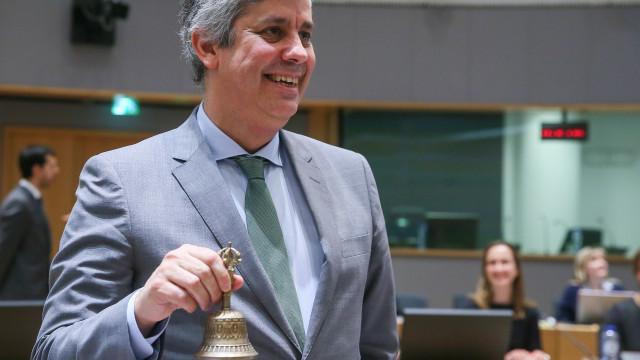 """Mário Centeno anuncia """"boas notícias"""" para a Grécia"""
