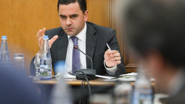 """Governo espera """"resultados positivos"""" das negociações entre TAP"""