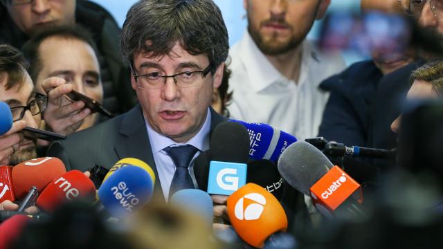 Constitucional analisa recurso de Madrid contra investidura de Puigdemont