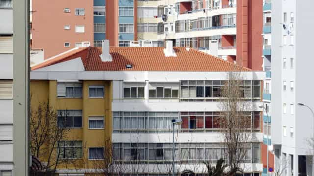 """Century 21 prevê """"evolução positiva"""" do setor imobiliário mas dá alerta"""