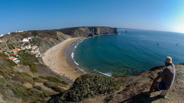 Ambientalistas temem repetição de derrames na costa alentejana