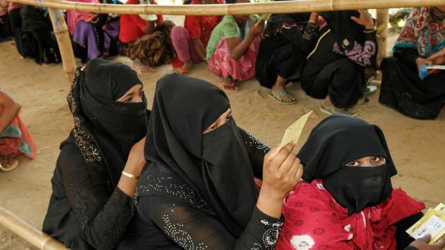 Nobel da Paz vão encontrar-se com mulheres rohingya no Bangladesh