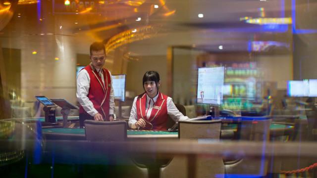 Receitas dos casinos de Macau subiram para 2,7 mil milhões de euros
