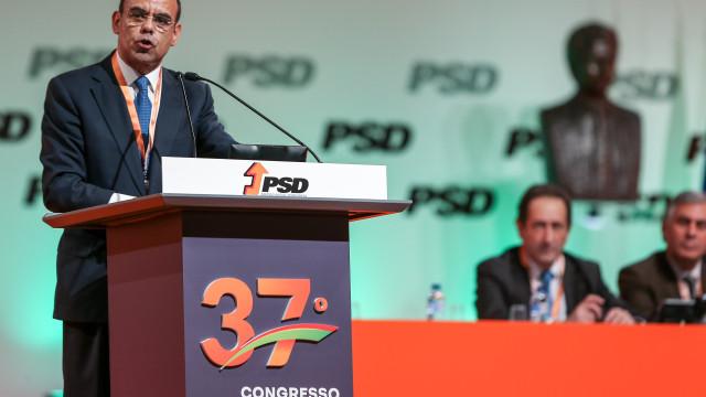 """Sarmento quer PSD contra """"salada russa"""" da Esquerda"""