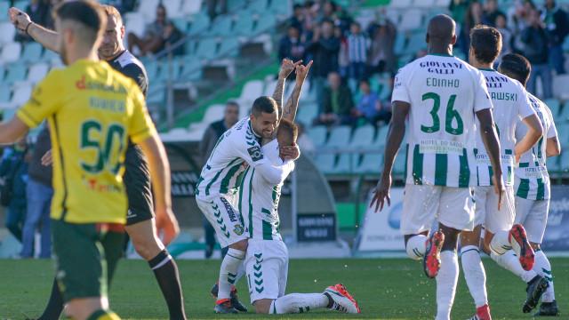 Golo de Patrick Vieira dá triunfo do V. Setúbal sobre o Paços de Ferreira