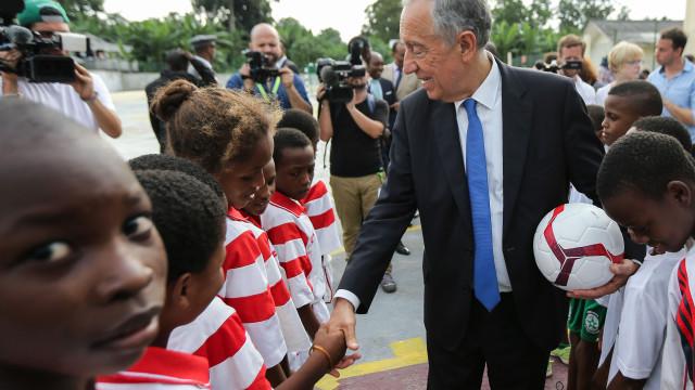 Marcelo foi árbitro, mas num jogo de futebol em Neves