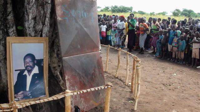 Exumação dos restos mortais de Savimbi não terá honras de Estado